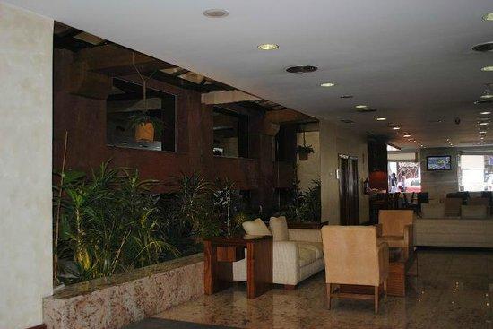 7 Islas Hotel: Hall