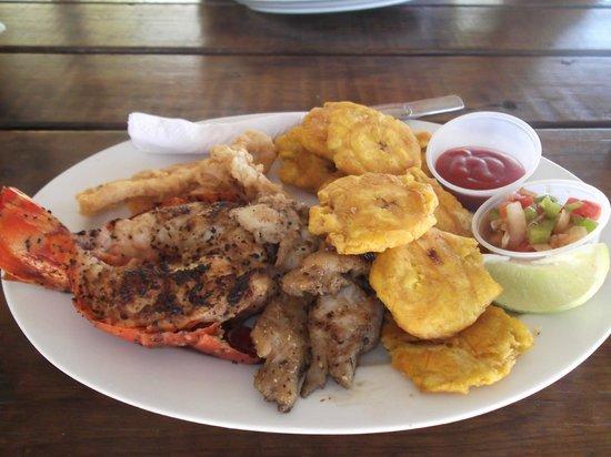 Palm Beach Roatan: pesce alla griglia