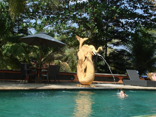 Gajah Mina Beach Resort: La piscine