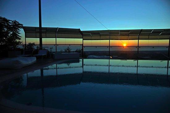 Al Mirador Resort: Alba sulla Piscina
