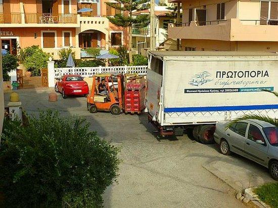 Aristea Hotel Rethymnon : Unloading deliveries