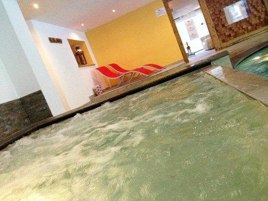 Alpstyle Hotel Albolina: idromassaggio