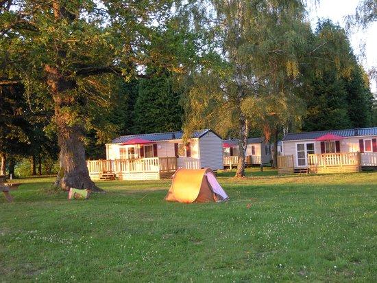 Camping La Cazine : COTTAGES