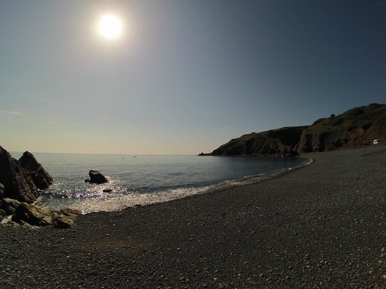Porthkerris Divers: Main Beach Sun