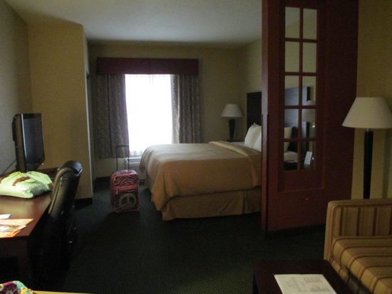 Comfort Suites Orlando Airport : suite on 3rd floor room 318