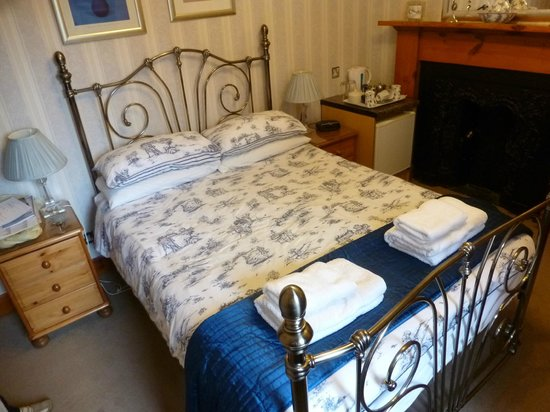 Dionard Guest House: Habitacion