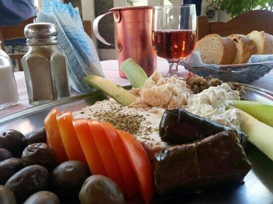 Taverna Katerina: Entée platter