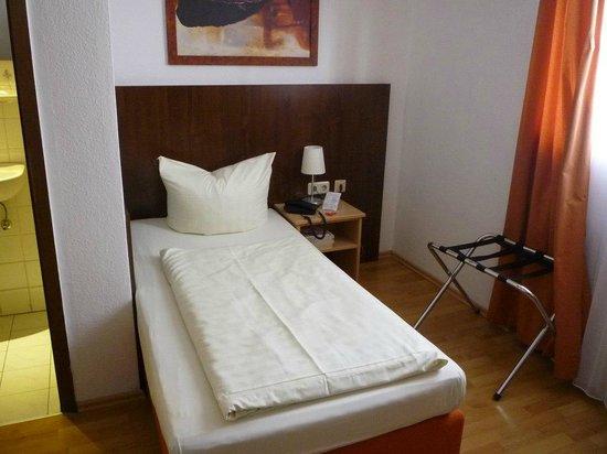 Hotel Italia: 室内。まずまずきれいで気持ち良い室内。