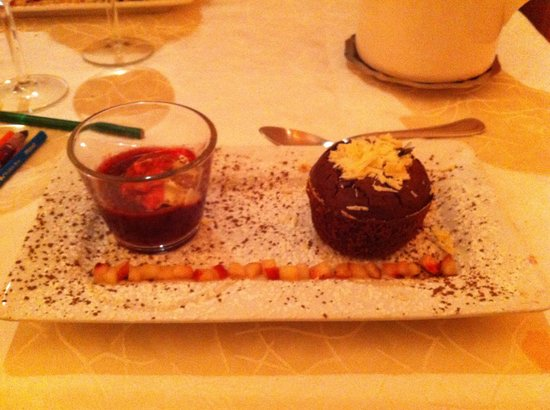 Auberge la Bartavelle: Moelleux aux chocolat....