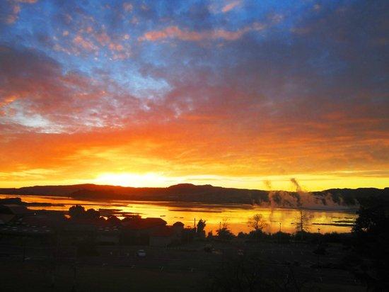 Millennium Hotel Rotorua : Sunrise from my Rotorua Room