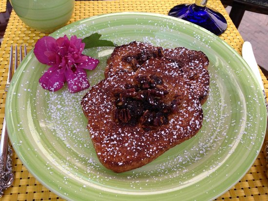 Barcelona Lakeside Bed and Breakfast: Breakfast - Praline French Toast