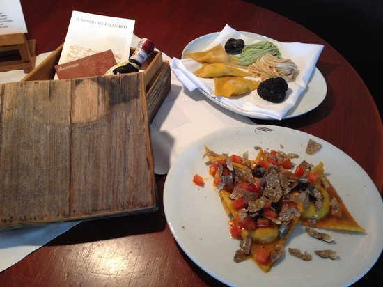 Ristorante AnaCapri : Fazzoletti con ripieno di gallina al tartufo nero estivo