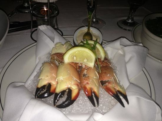 Truluck's Seafood, Steak and Crab House: fresh stone crabs.