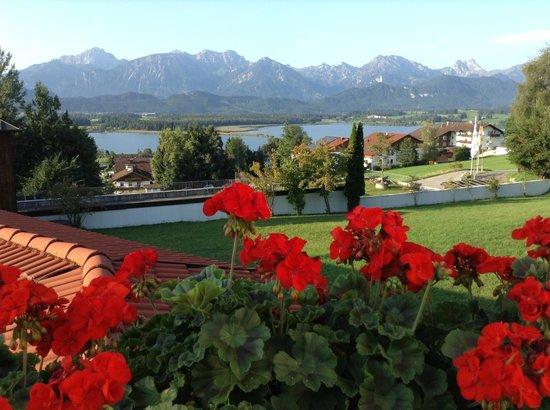 Hartung's Hotel Village & Spa: Vom Hotel ,Balkon neben dem Speisesaal im freien.