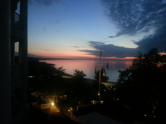 The Inn at Bay Harbor - A Renaissance Golf Resort: Sunset from our balcony.