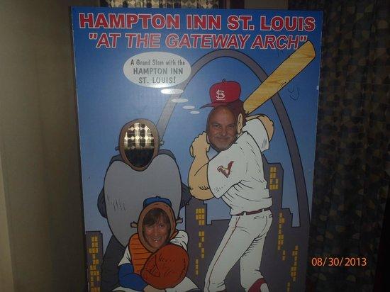 Hampton Inn - St. Louis Downtown at the Gateway Arch: Baseball Cutout in Lobby