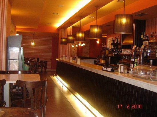 Cafeteria-Pasteleria Anduriña: CAFETERIA ANDURIÑA FOZ