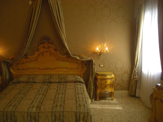 Hotel Ca' Dogaressa: room