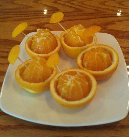 Wasabi Sushi Restaurant : Fresh quaint complimentary oranges for dessert p