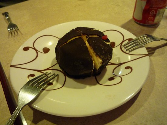 "Bella Napoli : Tartufo -- the ""chocolate sauce"" on the plate is fake."