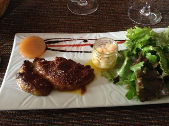 Restaurant La Cave D'agnes : Fois Gras - fresh, well cooked, some Thai spice as well. Suberp