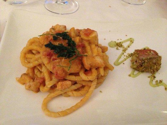 Eolo: Lobster Pasta