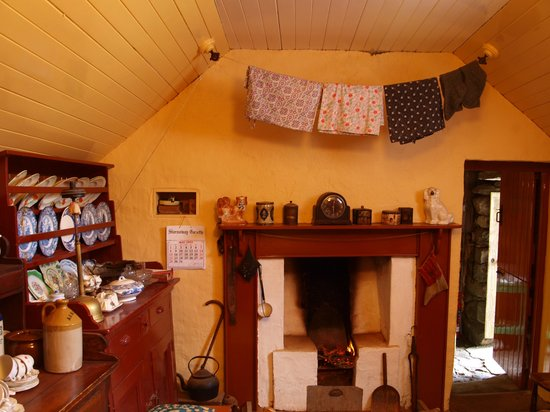 The Blackhouse : Living Room as it was