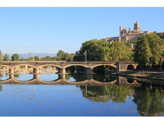 Hotel des Poetes : The Aude River