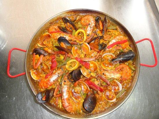 Restaurant Pizzeria Ca'n Salvador : paella de marisco