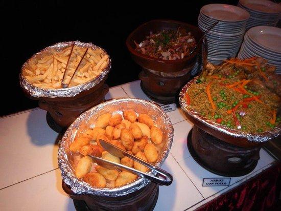 TaxiLimaPeru Private Tours: Rustica's Buffet