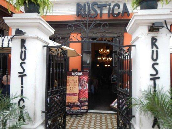 TaxiLimaPeru Private Tours: Rustica in Barranco