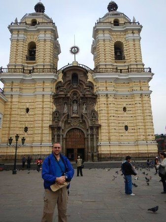 TaxiLimaPeru Private Tours: Church of San Francisco