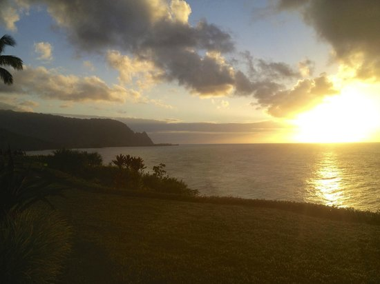 Marc at Princeville Pali Ke Kua: Sunset from the lanai