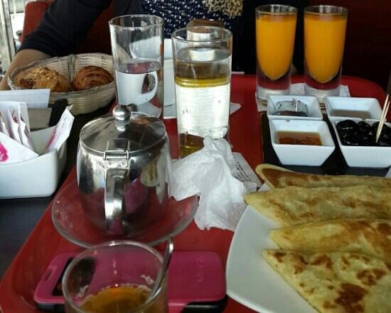 Oujda, Marruecos: ftouur beldi