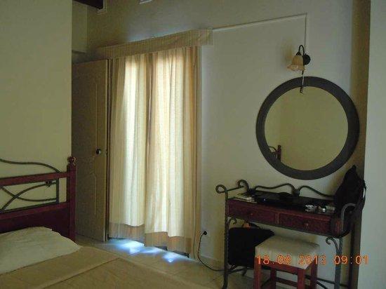 Petousis Apartments : Sans chichi mais correcte