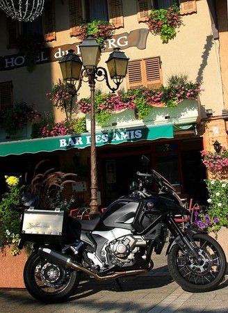 Hotel du Bourg : The hotel bar