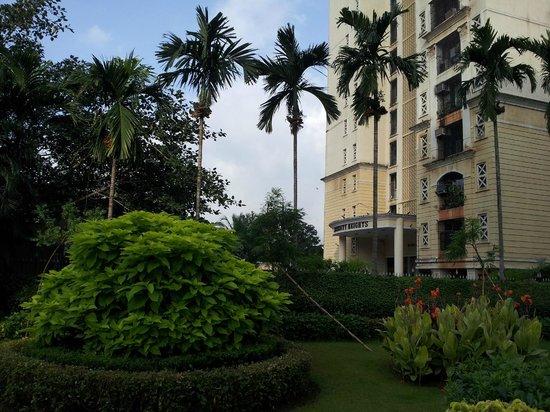 Grand Hometel, Mumbai : (Private) Park near hotel, good for jogging