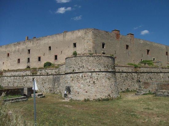 Fort de Bellegarde : View of the fort