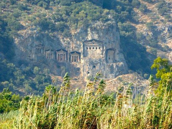 Iztuzu Beach: Boat trip past Lycian Tombs