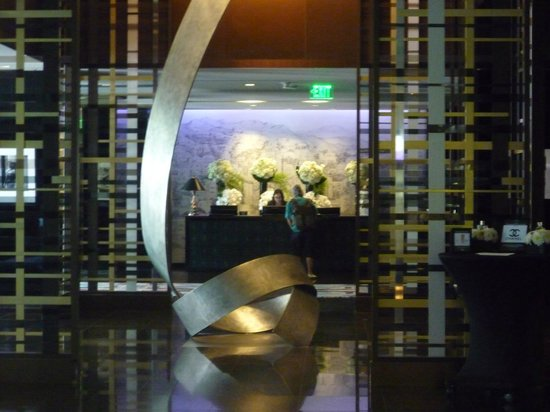 Sofitel Los Angeles at Beverly Hills: Hall et réception