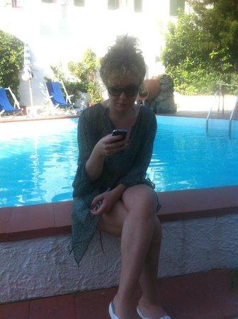 Hotel Baia Verde: In piscina