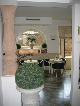 Hotel Virgilio: the dining area