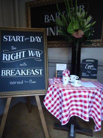 The Railway Tavern : Breakfast display