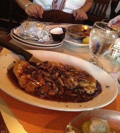 Tavern Restaurant: chicken marsala