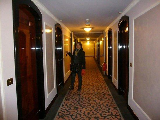 Starhotels Du Parc: couloir