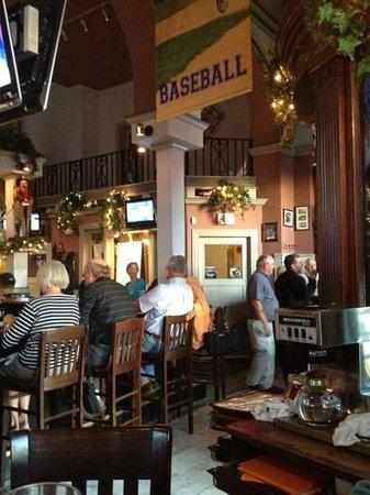 Tavern Restaurant: bar area