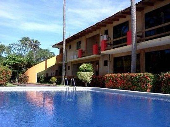 Hotel J.B.: AREA DE ALBERCA
