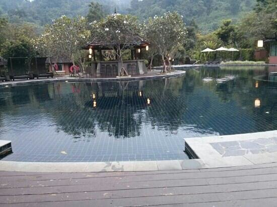 Sibsan Luxury Hotel Rimping Chiangmai : the pool