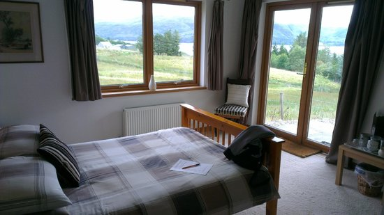 Loch Dubh: the room
