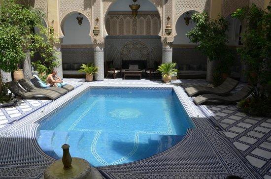 Riad Salam Fes: Piscina